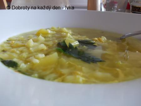 Kapustovo- květáková polévka s kořením