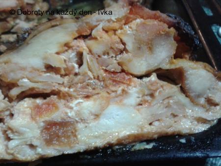 Výborná roláda z kuřete, plněná masem, hlívou a uzeninou