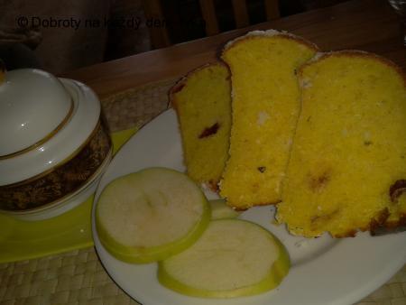 Jablíčkovo-kokosovo-brusinková bábovka