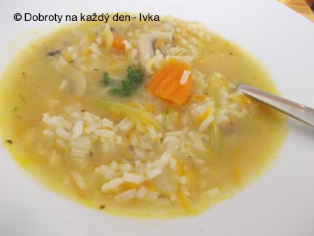 Lehká, rýžová polévka na divokém koření