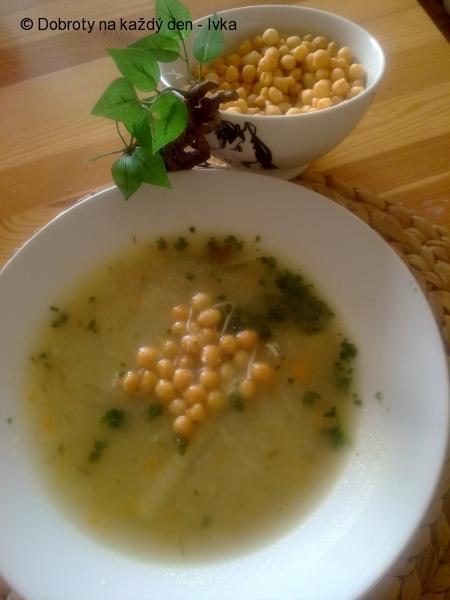 Polévkový krém z mrkve,chřestu, cibule  a pórku