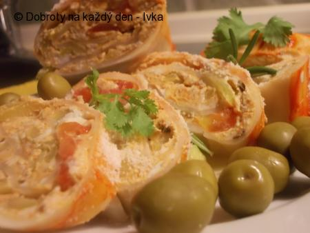 Pikantní, ostřejší, olivovo-sýrová chuťovka