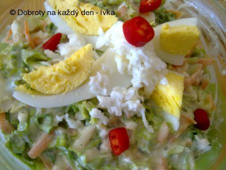 Kadeřavý salát s mozzarellou,mrkví, zázvorem a jogurty
