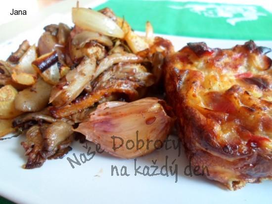 Hlíva pečená, chutná jako opečená slaninka nebo škvarky  nebo jako vepřové výpečky