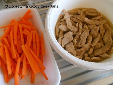 Sojové nudličky s mrkví