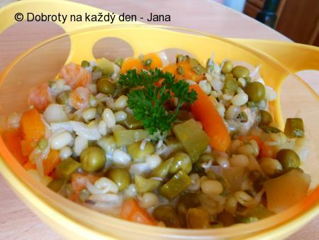 Salát z Mungo fazolek s klíčky