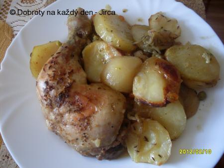 Kuřecí stehna na zelenině v pomalém hrnci