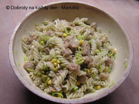 Těstovinový salát se sójovým masem