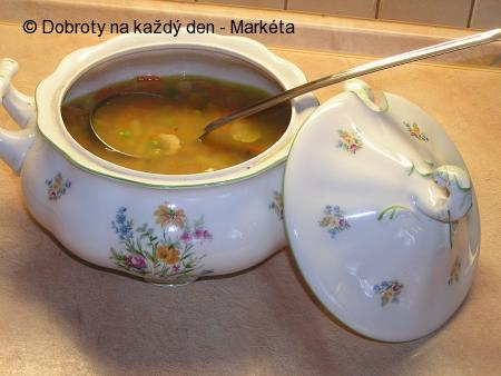 Uzená zeleninová polévka s houbami