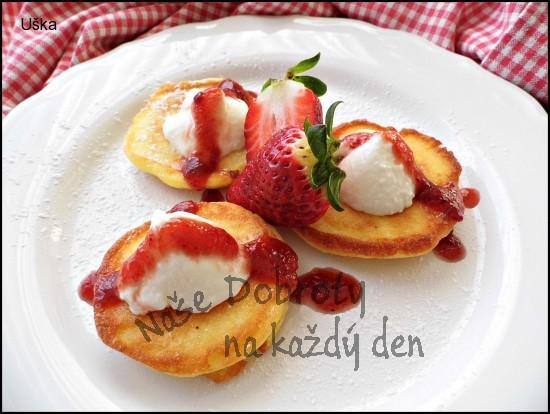 Lívance z jogurtovo - jablečného těsta