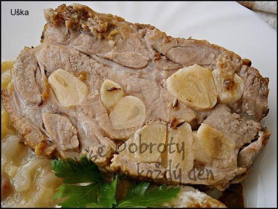 Vepřová krkovice plněná česnekem