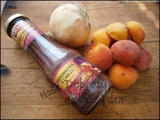 Meruňky s cibulí,jako příloha k masu