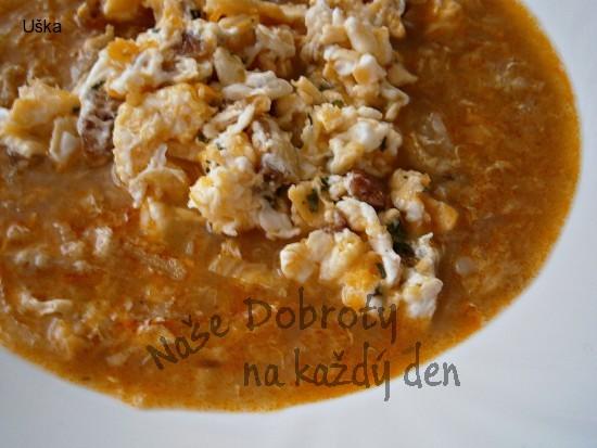 Polévka z čínského/pekingského zelí s na špeku míchanými vejci