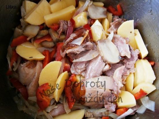 Uzené kuře v papiňáku,s přílohou za pár minut