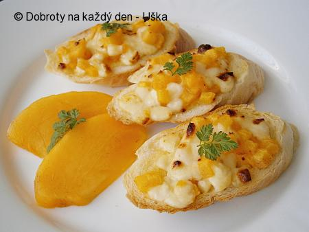 Bruschetta(rohlík) s kaki a mozzarellou