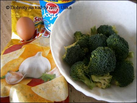 """Brokolice v česnekovém """"chips"""" kabátku"""
