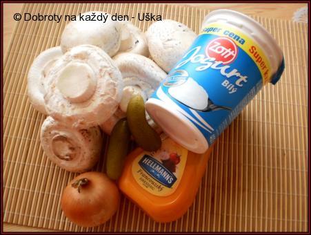 Přírodní žampiony s jogurtovým dipem