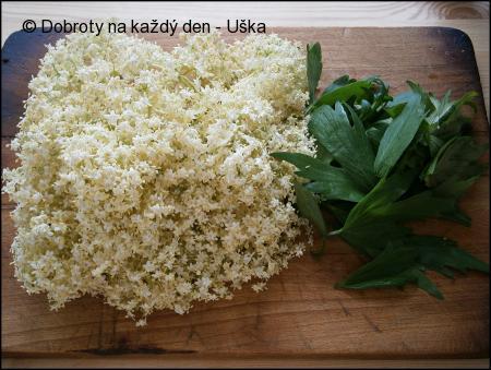 Kosmatice(květ černého bezu)v kefírovo-bylinkovém těstíčku