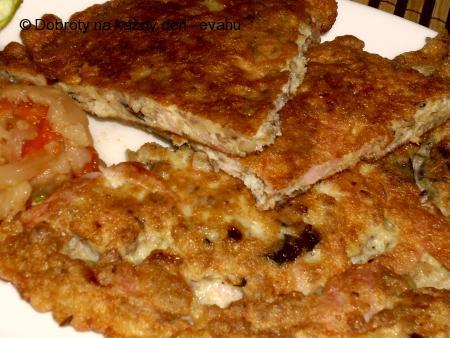 Omeleta s pohankou , houbami a šunkou