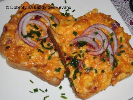 Pikantní vejce na chleba,  topinky