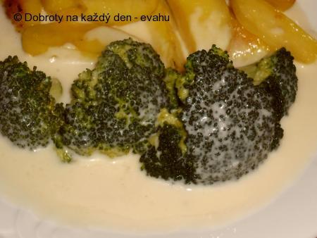 Brokolice s hermelínovou omáčkou