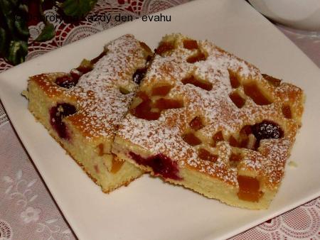 Rychlý koláč s ovocem