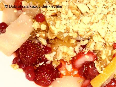 Ovocný koláč s ořechy