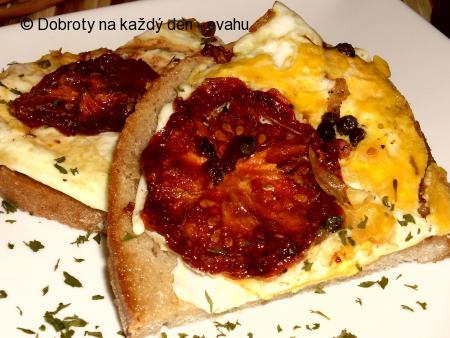 Vajíčka se sušenými rajčaty - rychlá svačinka