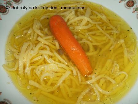 Polévka z kuřecích drůbků