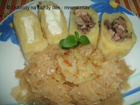 Bramborové šišky plněné kozím sýrem a uzeným masem