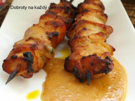 Kuřecí satay s burákovým přelivem