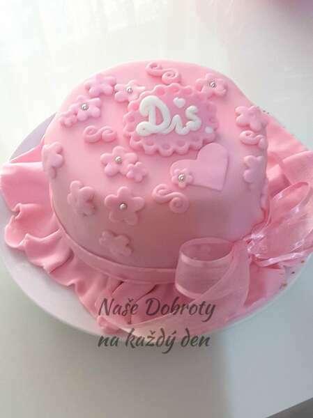 Piškotový dort s malinovým krémem