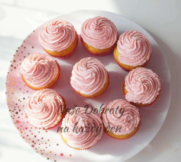 Jahodové cupcaky