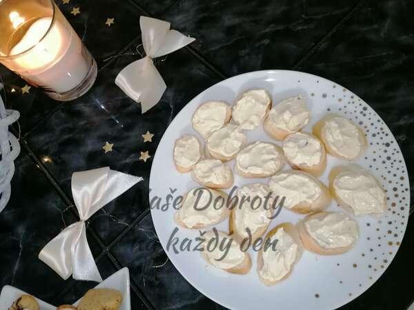 Jednohubky s česnekovou pomazánkou