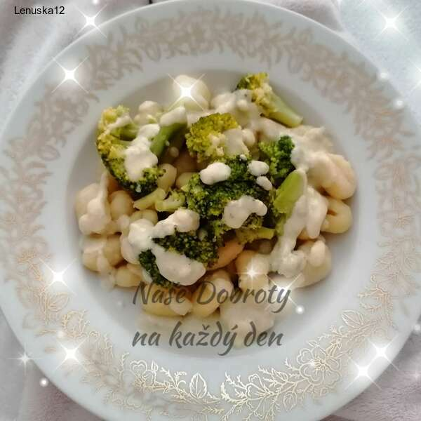 Gnocchi s brokolicí a nivovou omáčkou