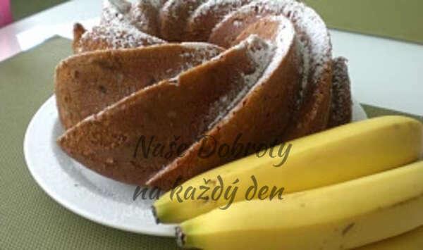 Mramorová bábovka s banánem a jablkem