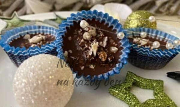 Čokoládové oříšky v košíčku