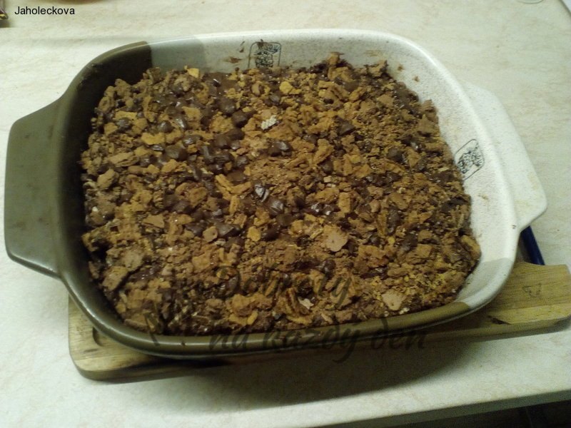 Tvaroháč zasypaný sušenkami