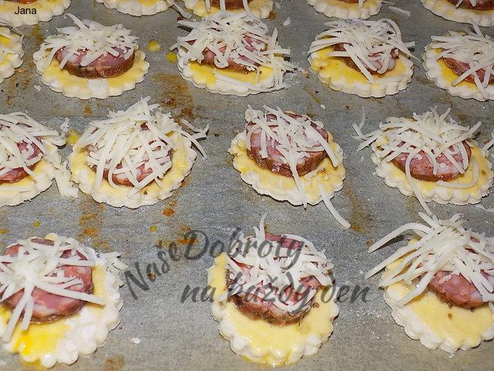 Sýrové jednohubky z listového těsta