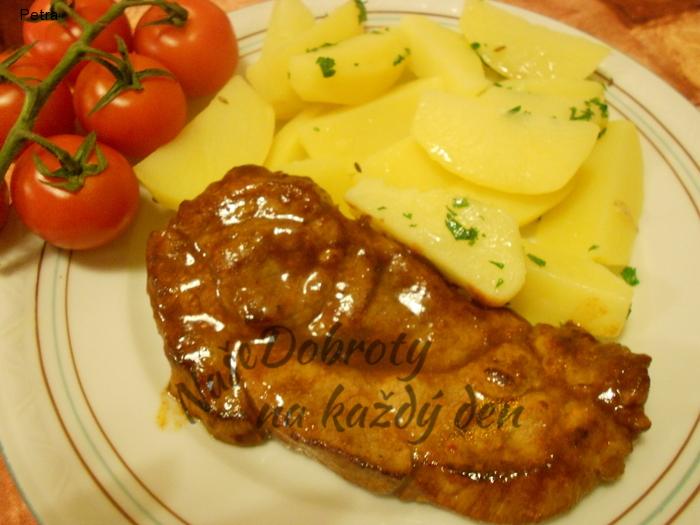 Marinovaná krkovička s petrželkovými brambory