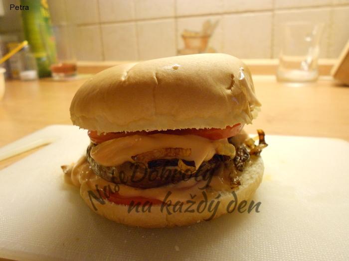 Farmářský burger se sýrem