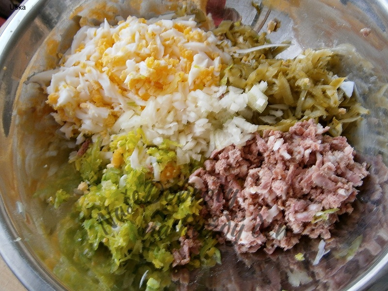 Sýrová pomazánka s vejci,pórkem a uzeninouu