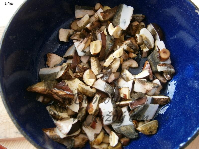 Masoví rarášci s hříbkovými škvarečky