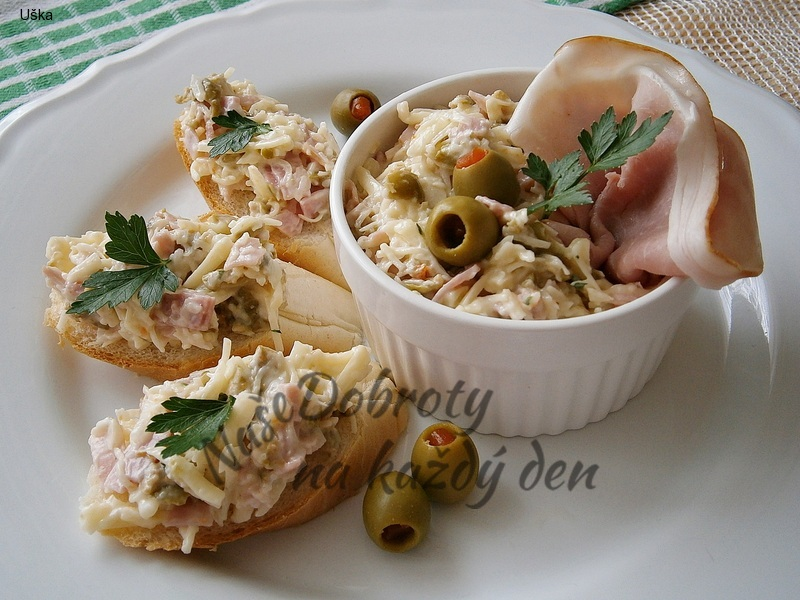 Sýrová pomazánka se smetanou a olivami