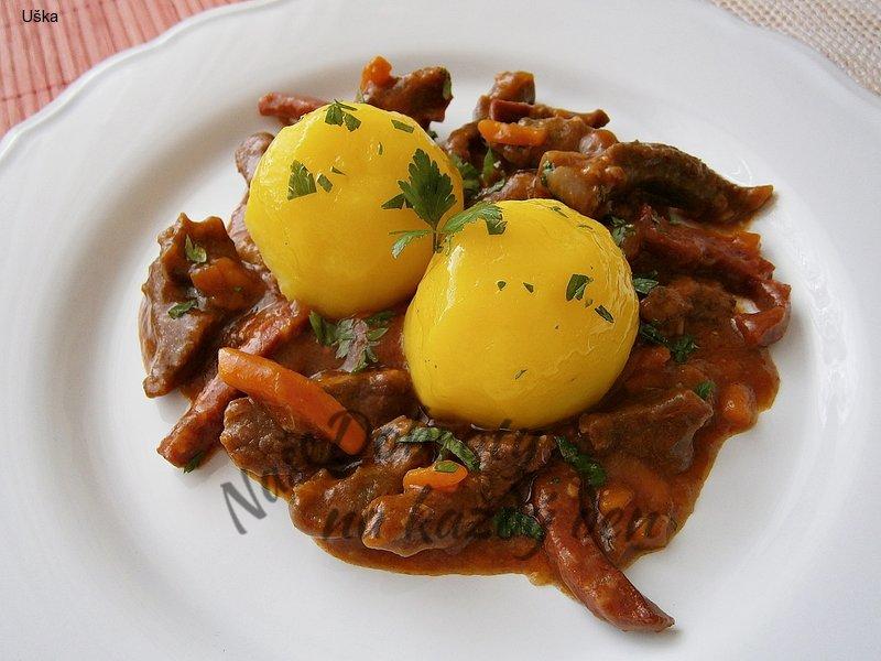 Hovězí pikantní nudličky s mrkví
