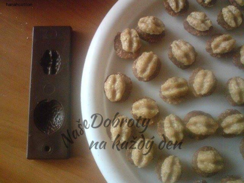 Nepečené ořechy