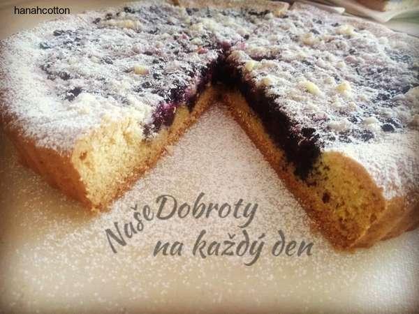 Křehký borůvkový koláč s posypkou