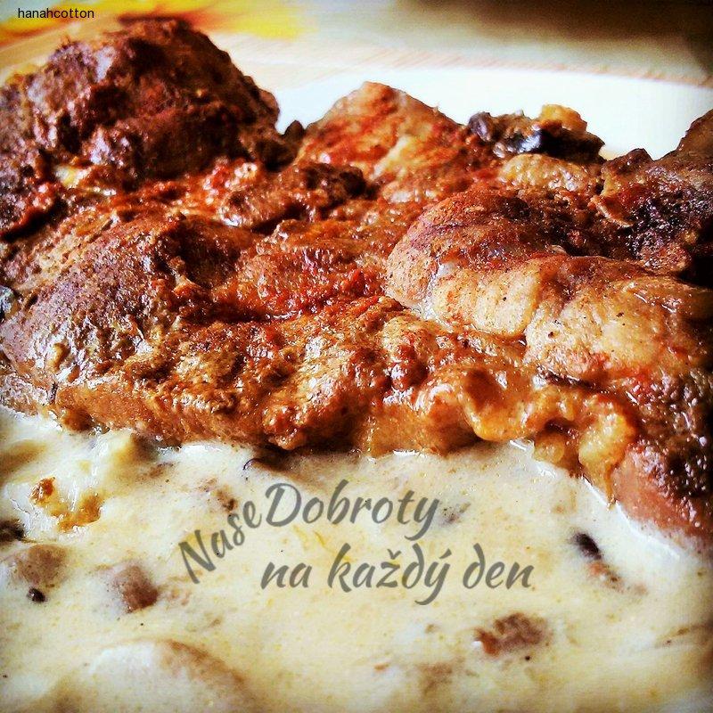 Krkovice na curry s houbami a smetanou